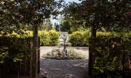 Zahrady, které ukrývá překrásný Zámek Lednice.